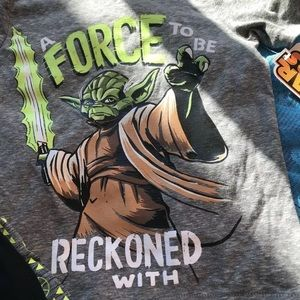 🎄3/$15 Disney Star Wars Boys Size 4 Yoda T Shirt